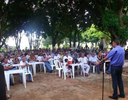 Assembleia foi realizada nessa sexta-feira e greve só será decidida no fim do mês. (Foto: Divulgação/ Sinpol)