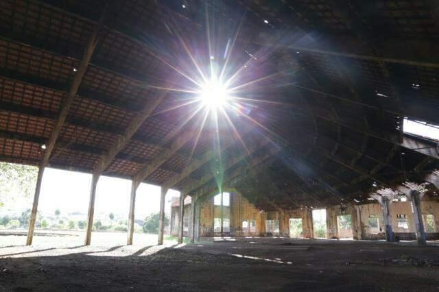 Interior da Rotunda mostra abandono. (Foto: Kísie Ainoã)