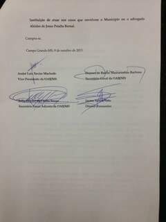 Toda a diretoria, fora Julio Cesar, assinou o documento