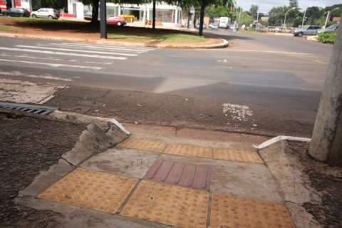 Acessibilidade está longe do ideal nas ruas de Campo Grande