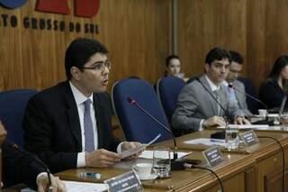 Colégio de presidentes da OAB/MS em reunião sem a presença do presidente Júlio César (Foto: Cleber Gellio)