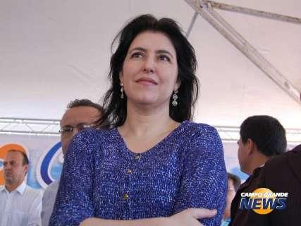 """Simone diz que """"emoção"""" de governador reforça sua campanha ao senado"""