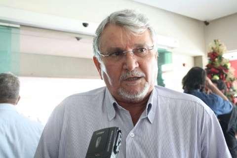 """Zeca diz que falta humildade a Bernal e crítica """"chute"""" em Delcídio"""