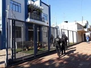 Policia Federal cumpre mandados de prisão em Ponta Porã. (Foto: Porã News)