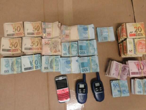 O suspeito mostrou para a Polícia o lugar onde esteve com os comparsas, em uma estrada de terra próxima ao município. (Foto: Divulgação)