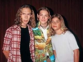 Os Hanson nos anos 90... (Foto: Divulgação)