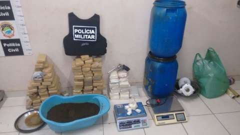 Polícia fecha depósito do tráfico com R$ 1,5 milhão em drogas; 4 são presos
