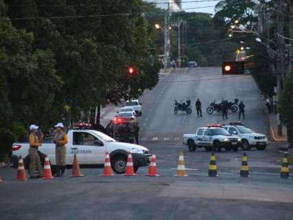 Trecho de avenida é interditado para reconstituição de crime