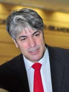 Disputa judicial sobre processo de cassação paralisa ação política de Bernal