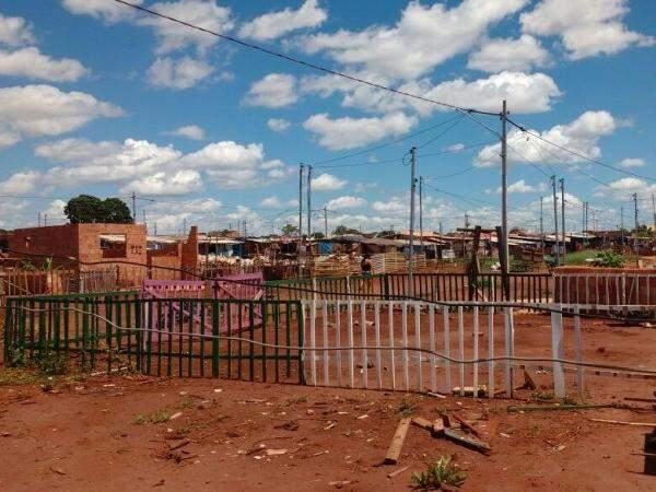 O loteamento Bom Retiro fica na Vila Nasser, no limite do perímetro urbano de Campo Grande. (Foto: Adriano Fernandes)