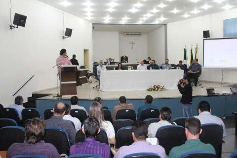 Prefeitos de oito municípios se reúnem para discutir saúde pública em MS