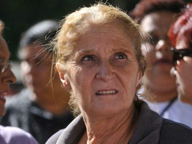 Leide Moreira, 54 anos, funcionária do Cetremi, fechado ontem. (Foto: Alcides Neto)