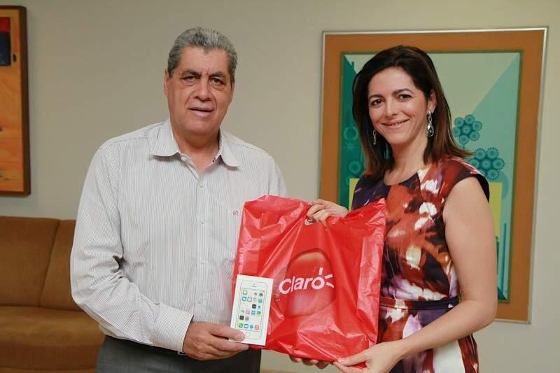 Diretora da Claro veio a Campo Grande para o lançamento das vendas do pacote 4G (Foto: André de Abreu)