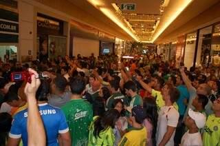 Shopping Norte Sul recebeu mais de mil pessoas, de acordo com a assessoria do Shopping (Foto: Simão Nogueira)
