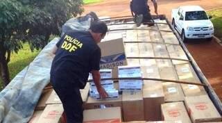 Mais de 70 mil pacotes de cigarros contrabandeados foram apreendidos no fim de semana em MS. (Foto: Divulgação)