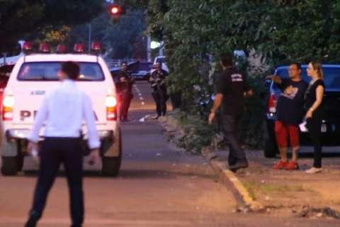 Pai e filho que sobreviveram a tiros de PRF participam da reconstituição