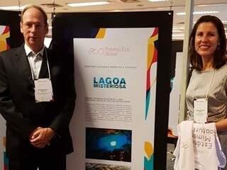 Proprietários do Grupo Rio da Prata, Eduardo Folley Coelho e Simone Spengler Coelho na premiação (Foto/Divulgação)