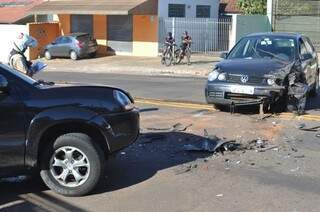 Acidente aconteceu por volta das 8h deste domingo. (Foto: Marcelo Calazans)