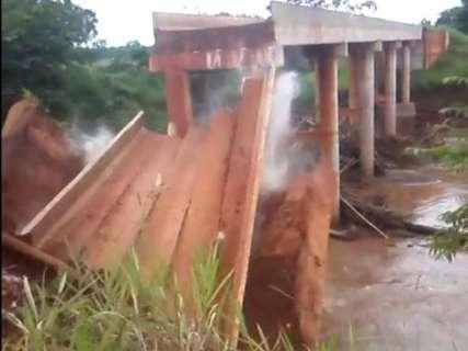 Governo refaz projeto de ponte que caiu em efeito dominó e abre licitação