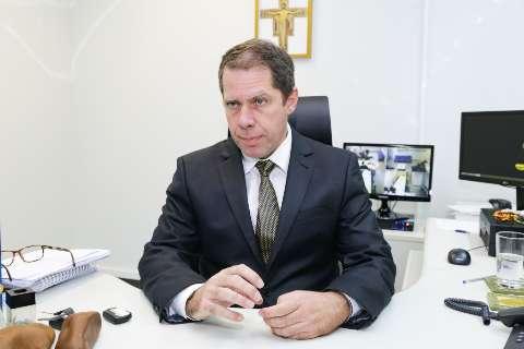 Réu da Lama Asfáltica, Beto Mariano conhece neto em audiência na Justiça