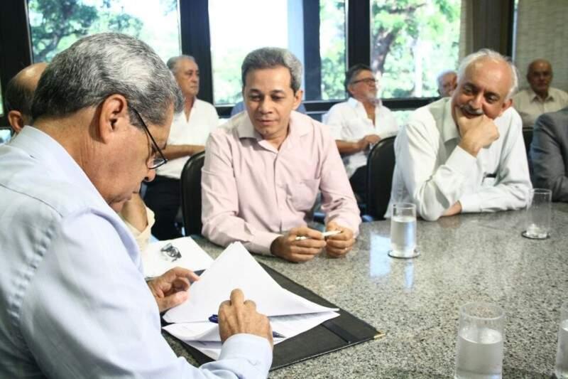 A cerimônia de assinatura foi na manhã desta sexta-feira na Governadoria. (Foto: Marcos Ermínio)