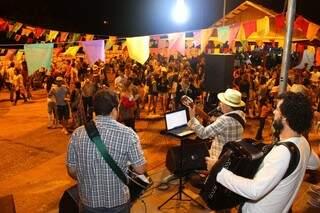 Cordão da Valu realizou o primeiro arraiá na sede da escola de samba Igrejinha (foto: Fernando Antunes)