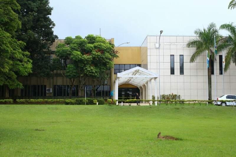 No MPE, 35 membros receberam exatamente o teto de R$ 33.763.(Foto: André Bittar)