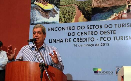 Governador ainda está à procura de uma mulher para ser vice do PMDB (Foto: Divulgação/Rachid Waqued))