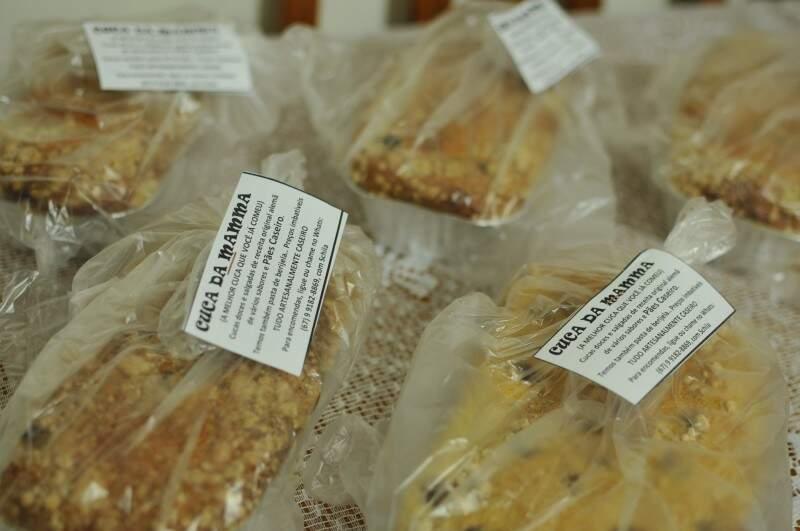Com vários sabores, cucas são vendidas a R$ 10,00 (Foto: Alcides Neto)