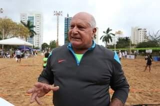 """Zaccaro criou o esporte porque percebeu que as pessoas estava """"tortas"""" (Foto: Marcelo Victor)"""
