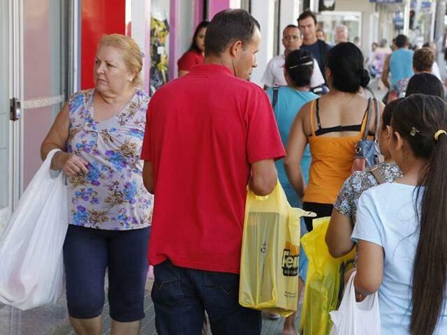 Mais de 5 mil pessoas saíram do cadastro de inadimplentes em novembro (Foto: Arquivo/CG News)