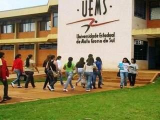 Fachada da Universidade Estadual de Mato Grosso do Sul, em Dourados (Foto: divulgação/assessoria)