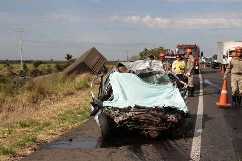 Mecânico de 26 anos é um dos mortos em colisão com carreta na BR-163