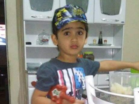 Menino que morreu em acidente na noite de ontem (Foto: reprodução/Facebook)