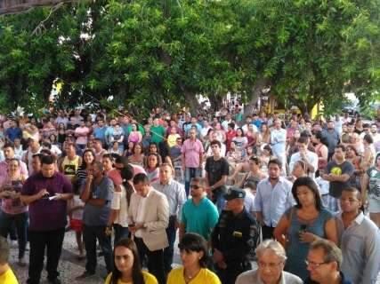 Calor e samba marcam a posse do prefeito e vereadores em Corumbá