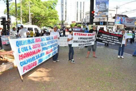 Família do segurança Brunão faz nova manifestação no centro da Capital