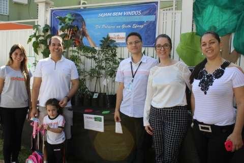 Águas Guariroba doa 200 mudas de árvores para escola da Capital distribuir
