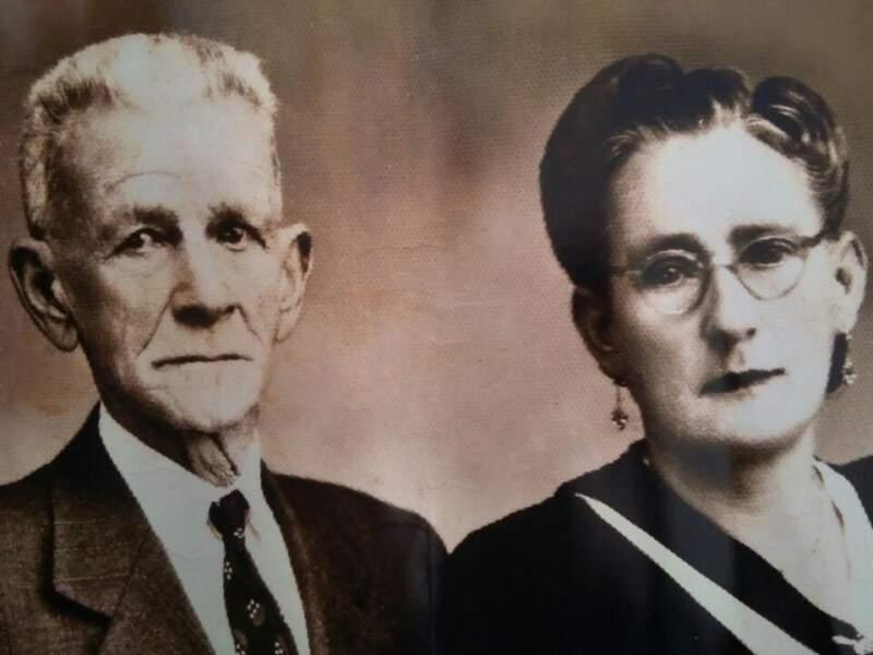 Abílio e dona Bíla. Apaixonada pelo marido, ela foi apelidada a partir do nome dele. (Foto: Arquivo Pessoal)