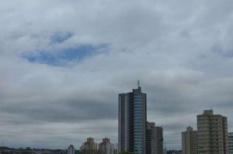 Sábado começa com dia nublado e tem previsão de chuvas à tarde em MS