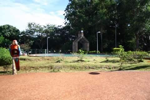 Após denúncia, prefeitura faz manutenção e corta o mato no Horto