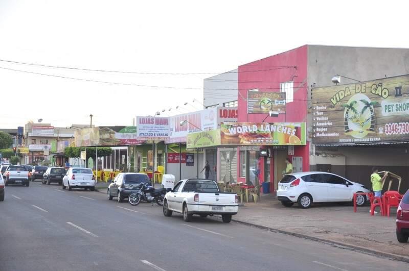 A avenida se tornou atrativo na região para quem quer comer (Foto: João Garrigó)