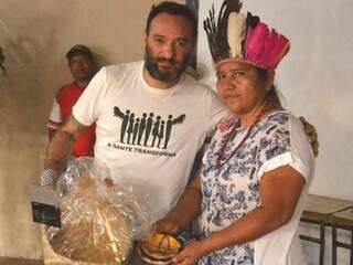 Rosenbaum levou algumas peças de artesanato indígena com ele (Fotos: IPEDI)