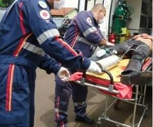 Vítima foi socorrida e encaminhada ao Hospital da Vida (Foto: Dourados Agora)