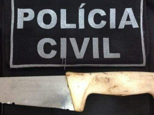Faca usada no crime. (Foto: Divulgação)