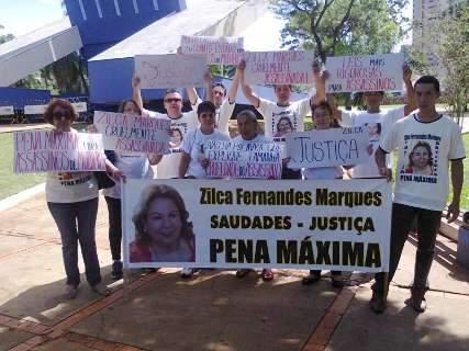 Parentes e amigos de professora morta há 16 meses cobram justiça