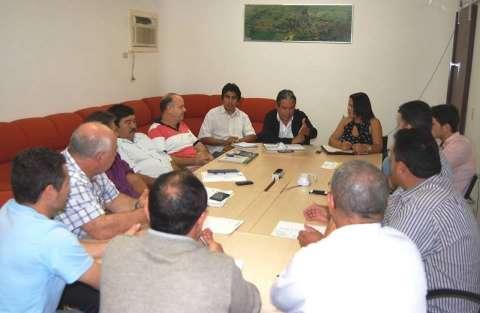 Prefeitura discute medidas urgentes para economizar e evitar colapso financeiro