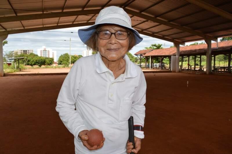 Não parece, mas ela tem 91 anos.