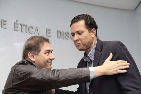 Conselho Federal da OAB pode afastar Júlio Cesar por advogar para Bernal