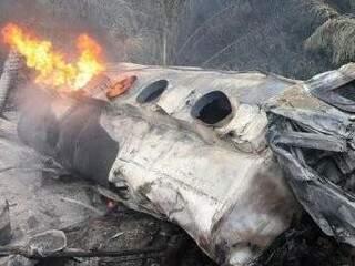 Motorista morreu carbonizado (Foto: PC de Souza/ Edição de Notícias)