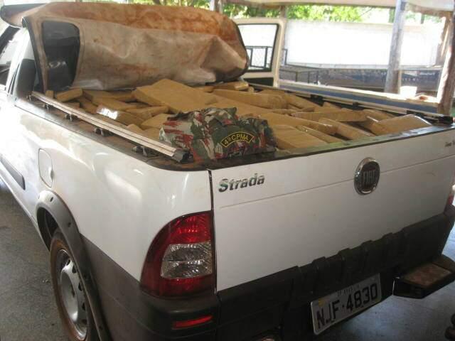 Droga estava em Fiat Strada. (Foto: Divulgação)